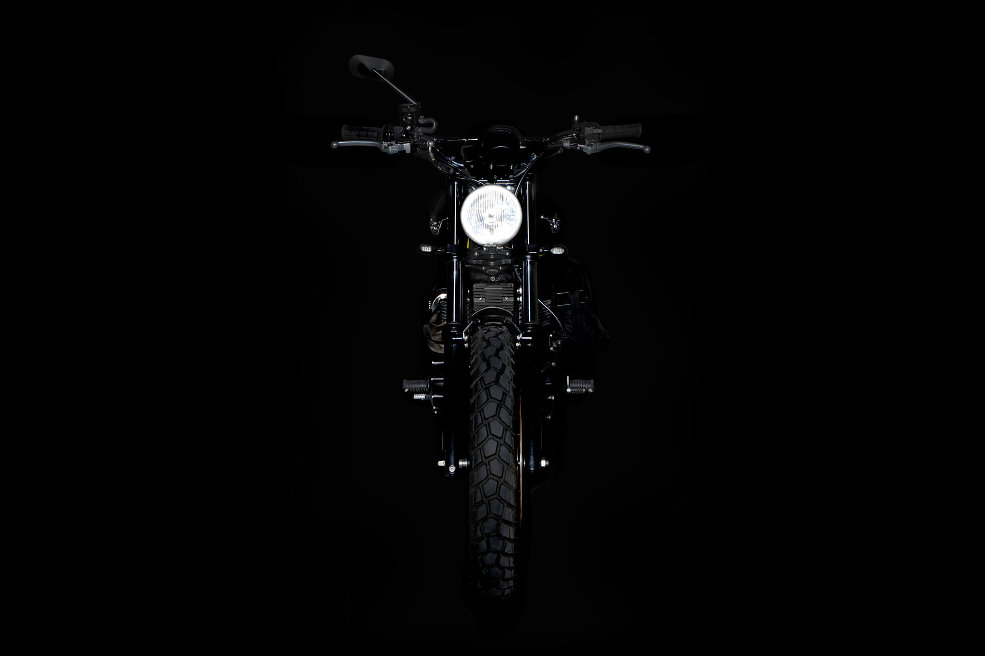 A225, Scrambler, Barbour, Barbour International, Britain, British, Photography, Film, WeAreShuffle, Biker, Motorcycle, Leather, Breaks, Break Discs, Triumph, Front, Light